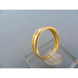 Zlatý dámsky prsteň malé zirkóny žlté zlato DP52231Z