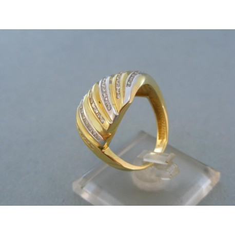 Čarovný dámsky prsteň v žltom bielom zlate zdobený kamienkami