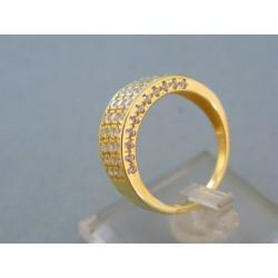 Elegantný dámsky prsteň žlté zlato zdobený kamienkami