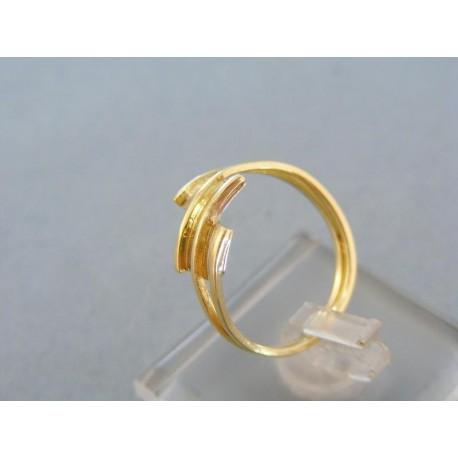 Pekný dámsky prsteň v žltom bielom zlate