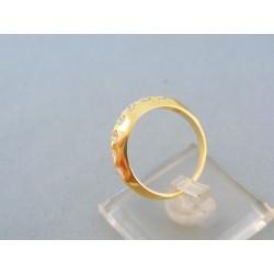Zlatý prsteň žlté zlato vrch je zúženy malé zirkóny DP57299Z