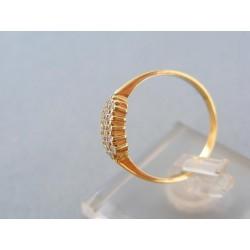 Zlatý prsteň žlté zlato zdobený kamienkami zirkónu DP55201Z