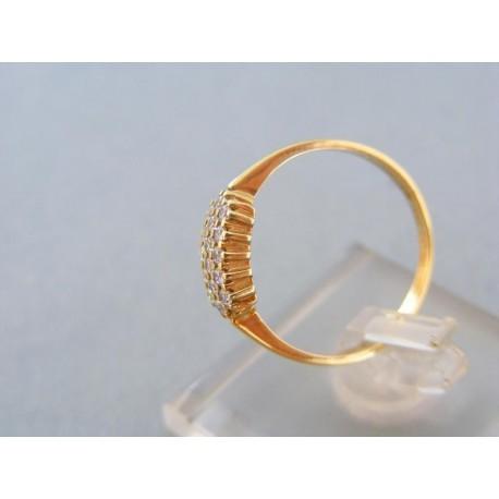 Prsteň žlté zlato zdobený kamienkami zirkónu