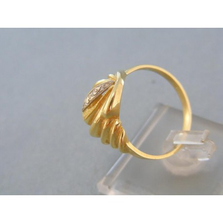 Pekný vzorovany dámsky prsteň dvojfarebné zlato