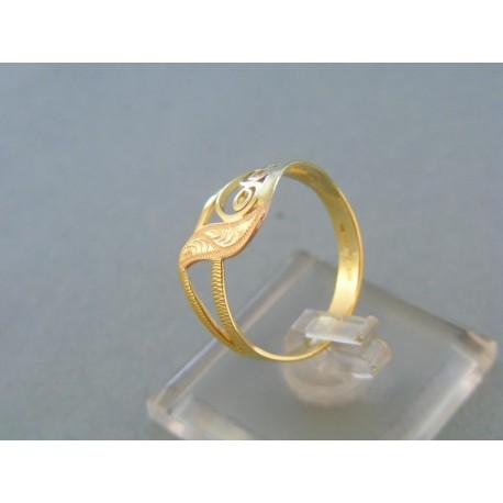 Vzorovaný dámsky prsteň červené žlté zlato jeden list