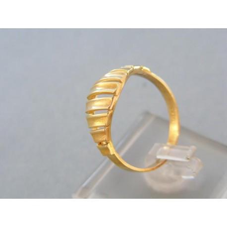 Zlatý dámsky prsteň v žltom zlate
